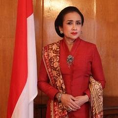 02.Indoneziiskiat_poslanik_u_nas_Neino_Prevuzhoditelstvo_Sri_Astari_Rasdjid_e_sred_ofizialnite_gosti_na_zeremoniata