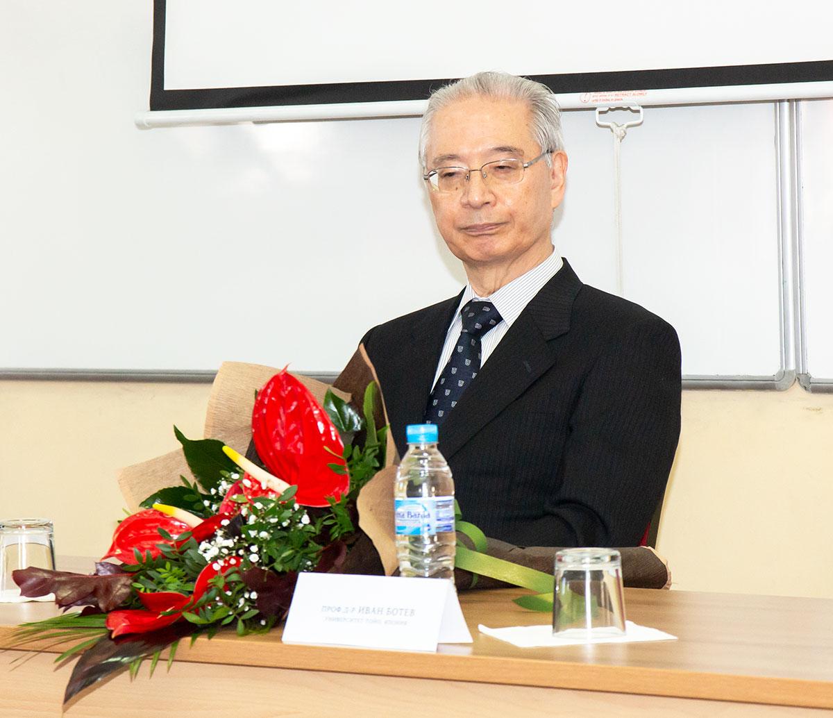 Prof_Makio_Takemura